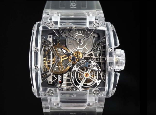 05b_rebellion-saphir-540-magnum-tourbillon-front_p1150042